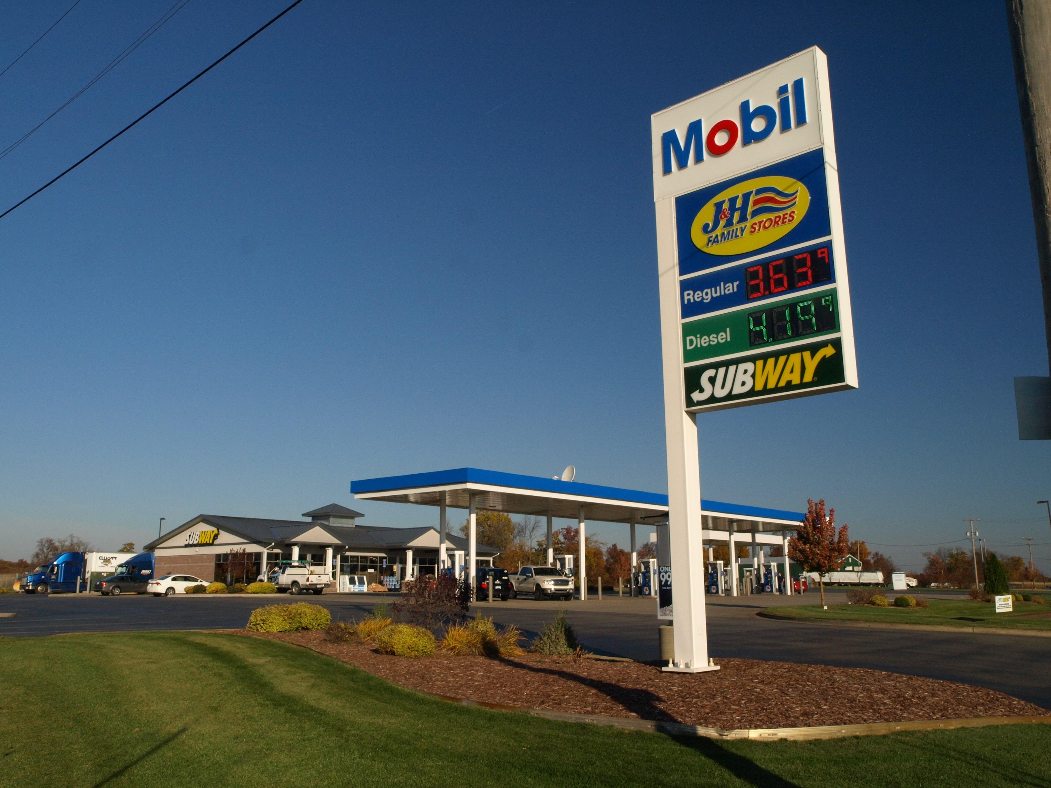 Nearest Mobil Gas Station >> 4475 Alden Nash Lowell Mi 49331 Lowell Mobil J H