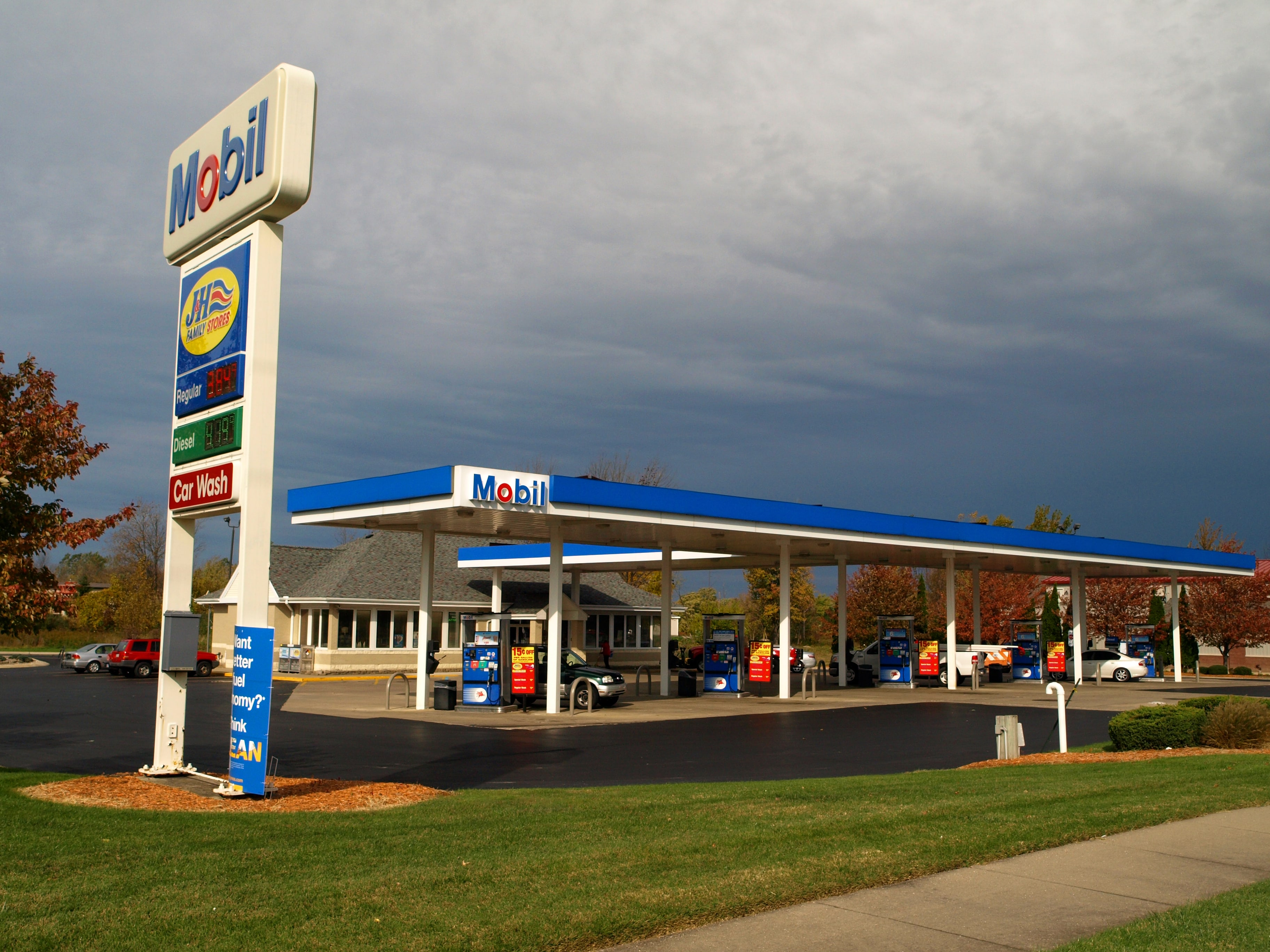Nearest Mobil Gas Station >> 1122 Lincoln Ave Holland Mi 49423 Windmill Mobil J H