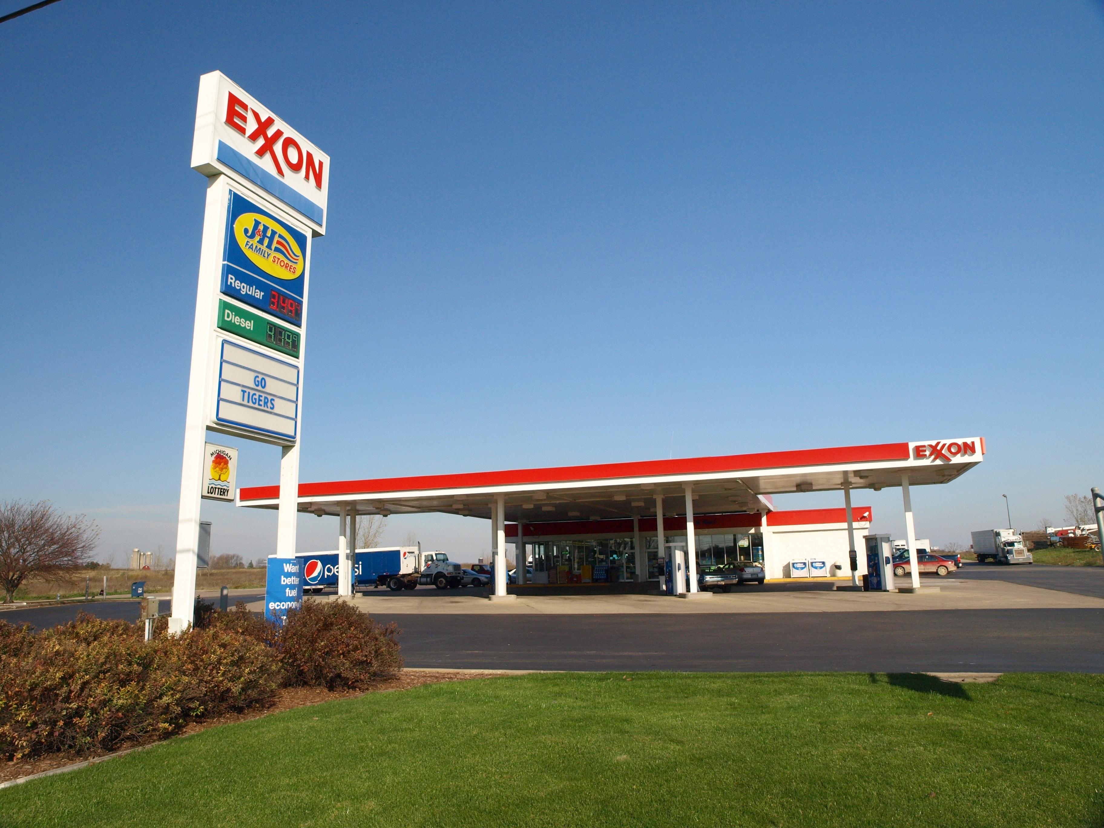 Dorr Exxon Truck Stop